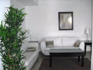 Apartamento En Alquileren Distrito Nacional, El Vergel, Republica Dominicana, DO RAH: 21-184