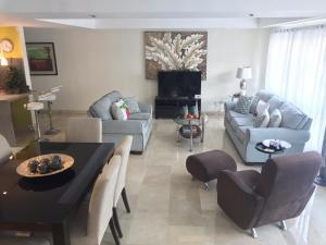 Apartamento En Ventaen Distrito Nacional, Naco, Republica Dominicana, DO RAH: 21-275