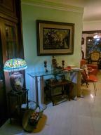 Apartamento En Alquileren Distrito Nacional, Evaristo Morales, Republica Dominicana, DO RAH: 21-352