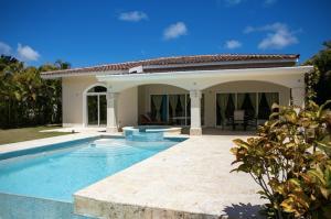 Casa En Ventaen Punta Cana, Bavaro, Republica Dominicana, DO RAH: 21-392