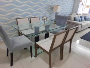 Apartamento En Alquileren Distrito Nacional, Bella Vista, Republica Dominicana, DO RAH: 21-394