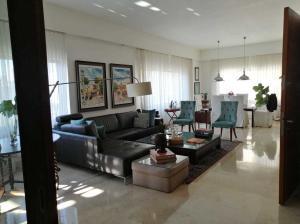 Apartamento En Ventaen Distrito Nacional, Piantini, Republica Dominicana, DO RAH: 21-398