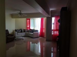 Apartamento En Alquileren Distrito Nacional, Zona Universitaria, Republica Dominicana, DO RAH: 21-404