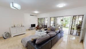 Casa En Alquileren Distrito Nacional, Los Cacicazgos, Republica Dominicana, DO RAH: 21-440