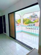 Casa En Ventaen Distrito Nacional, Villa Mella, Republica Dominicana, DO RAH: 21-486
