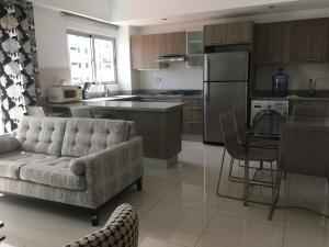 Apartamento En Alquileren Distrito Nacional, Piantini, Republica Dominicana, DO RAH: 21-534