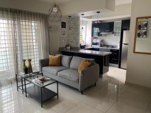 Apartamento En Alquileren Distrito Nacional, Piantini, Republica Dominicana, DO RAH: 21-537