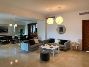 Apartamento En Alquileren Distrito Nacional, Piantini, Republica Dominicana, DO RAH: 21-626