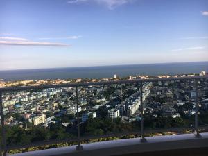 Apartamento En Alquileren Distrito Nacional, Los Cacicazgos, Republica Dominicana, DO RAH: 21-668