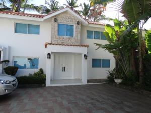 Casa En Ventaen Juan Dolio, Guayacanes, Republica Dominicana, DO RAH: 21-761