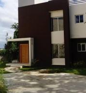 Casa En Ventaen Distrito Nacional, Arroyo Hondo, Republica Dominicana, DO RAH: 21-783