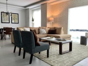 Apartamento En Alquileren Distrito Nacional, Serralles, Republica Dominicana, DO RAH: 21-792