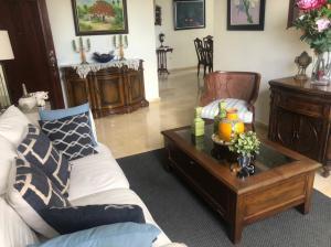 Apartamento En Alquileren Distrito Nacional, Piantini, Republica Dominicana, DO RAH: 21-819