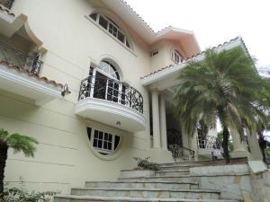 Casa En Ventaen Distrito Nacional, Los Rios, Republica Dominicana, DO RAH: 21-945