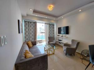Apartamento En Alquileren Distrito Nacional, Evaristo Morales, Republica Dominicana, DO RAH: 21-1085