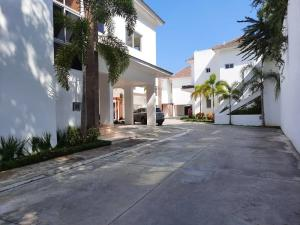 Casa En Alquileren Distrito Nacional, Cuesta Hermosa Ii, Republica Dominicana, DO RAH: 21-1132