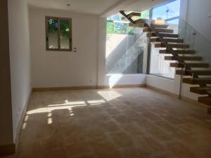 Casa En Ventaen Distrito Nacional, Bella Vista, Republica Dominicana, DO RAH: 21-1137