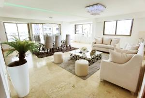 Apartamento En Alquileren Distrito Nacional, Los Cacicazgos, Republica Dominicana, DO RAH: 21-1154