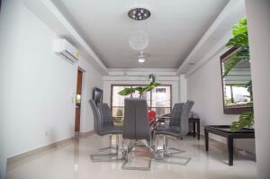 Apartamento En Alquileren Distrito Nacional, Piantini, Republica Dominicana, DO RAH: 21-1159