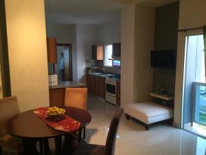 Apartamento En Ventaen Distrito Nacional, Evaristo Morales, Republica Dominicana, DO RAH: 21-1185