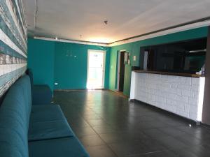Local Comercial En Alquileren Distrito Nacional, Evaristo Morales, Republica Dominicana, DO RAH: 21-1341