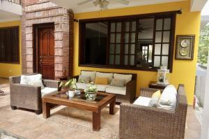 Casa En Ventaen Distrito Nacional, Altos De Arroyo Hondo, Republica Dominicana, DO RAH: 21-1589