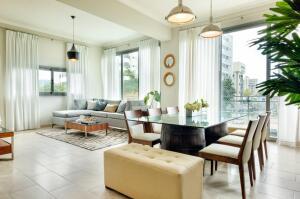 Apartamento En Alquileren Distrito Nacional, Evaristo Morales, Republica Dominicana, DO RAH: 21-1683
