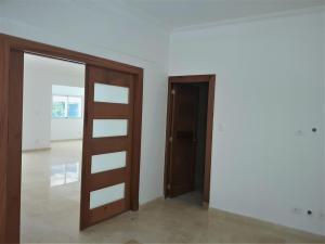 Apartamento En Ventaen Distrito Nacional, Evaristo Morales, Republica Dominicana, DO RAH: 21-1598