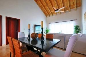 Apartamento En Ventaen Punta Cana, Cap Cana, Republica Dominicana, DO RAH: 21-1755