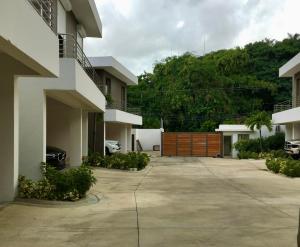 Casa En Ventaen Distrito Nacional, Cuesta Hermosa, Republica Dominicana, DO RAH: 21-1782