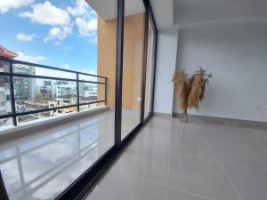 Apartamento En Alquileren Distrito Nacional, Evaristo Morales, Republica Dominicana, DO RAH: 21-142