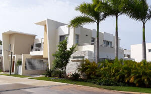 Casa En Ventaen Punta Cana, Bavaro, Republica Dominicana, DO RAH: 21-1884