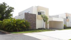 Casa En Ventaen Punta Cana, Bavaro, Republica Dominicana, DO RAH: 21-1885