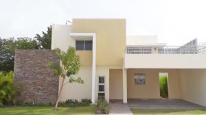Casa En Alquileren Punta Cana, Bavaro, Republica Dominicana, DO RAH: 21-1887