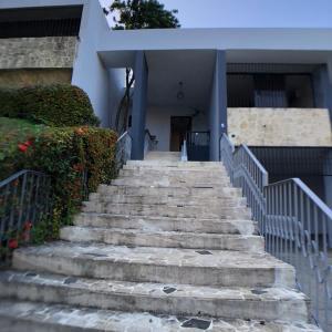 Casa En Alquileren Distrito Nacional, Arroyo Hondo, Republica Dominicana, DO RAH: 21-1920