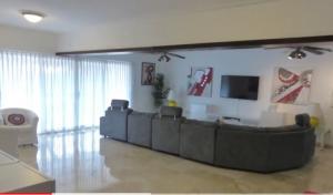 Apartamento En Alquileren Distrito Nacional, Los Cacicazgos, Republica Dominicana, DO RAH: 21-2075