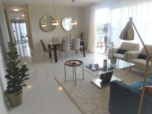 Apartamento En Ventaen Santo Domingo Norte, Cd Modelo Mirador Norte, Republica Dominicana, DO RAH: 21-2140