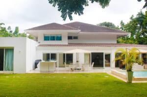 Casa En Ventaen La Romana, Casa De Campo, Republica Dominicana, DO RAH: 21-2322