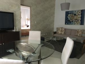 Apartamento En Alquileren Distrito Nacional, Piantini, Republica Dominicana, DO RAH: 21-2398