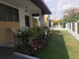 Casa En Ventaen Distrito Nacional, Los Prados, Republica Dominicana, DO RAH: 21-2505