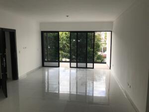 Apartamento En Ventaen Distrito Nacional, Bella Vista, Republica Dominicana, DO RAH: 21-2515