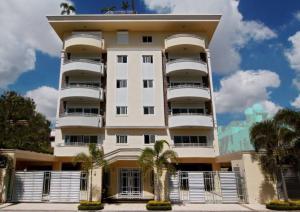 Apartamento En Ventaen Distrito Nacional, Bella Vista, Republica Dominicana, DO RAH: 21-2596