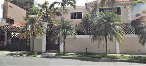Casa En Ventaen Distrito Nacional, Los Rios, Republica Dominicana, DO RAH: 21-2693