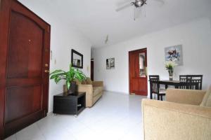 Apartamento En Alquileren Distrito Nacional, Arroyo Hondo, Republica Dominicana, DO RAH: 21-2565
