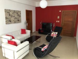 Apartamento En Alquileren Distrito Nacional, El Vergel, Republica Dominicana, DO RAH: 21-2808