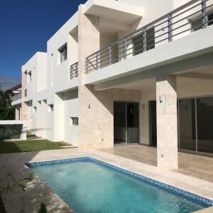Casa En Ventaen Punta Cana, Punta Cana, Republica Dominicana, DO RAH: 21-2934