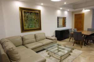 Apartamento En Ventaen Distrito Nacional, Serralles, Republica Dominicana, DO RAH: 21-3002