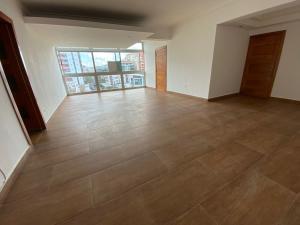 Apartamento En Ventaen Distrito Nacional, Bella Vista, Republica Dominicana, DO RAH: 21-3052