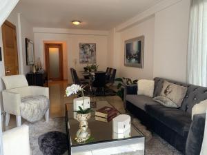 Apartamento En Alquileren Distrito Nacional, Piantini, Republica Dominicana, DO RAH: 21-3083