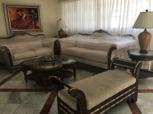 Apartamento En Alquileren Distrito Nacional, Piantini, Republica Dominicana, DO RAH: 21-3112